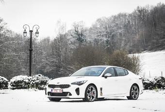 De Stinger bundelt alle knowhow van Kia met maar één doel voor ogen: de Duitse premiumconcurrenten komen bestoken op hun terrein. Daarvoor rekent deze vijfdeurs-GT op een splijtende look, een duivels onderstel en in het geval van onze testauto ook nog eens op een krachtige V6-turbo.