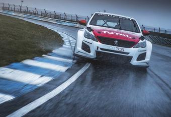 Peugeot Sport vervangt de 308 Racing Cup uit 2016 door deze 308 TCR, aangedreven door een 1,6 liter-turbomotor van 350 pk en gezegend door een heleboel aerodynamische updates.