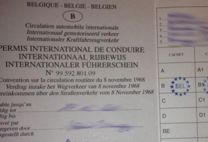 Le Permis De Conduire International Moniteur Automobile