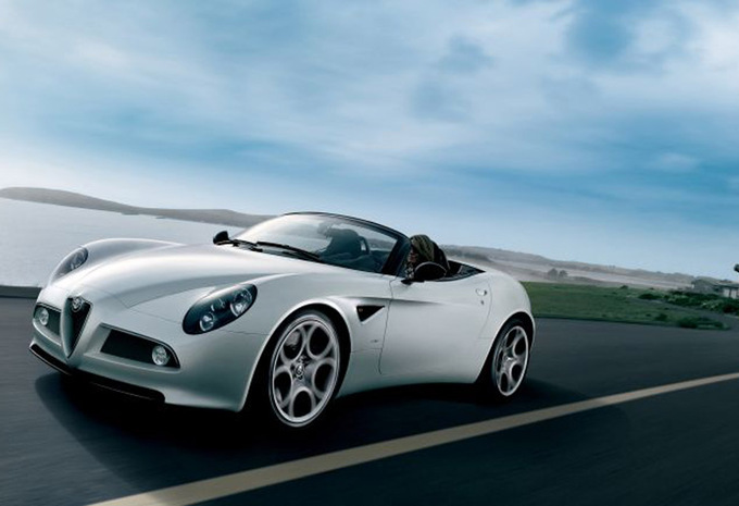 alfa romeo 8c spider 8c spider 2009 prix moniteur automobile. Black Bedroom Furniture Sets. Home Design Ideas