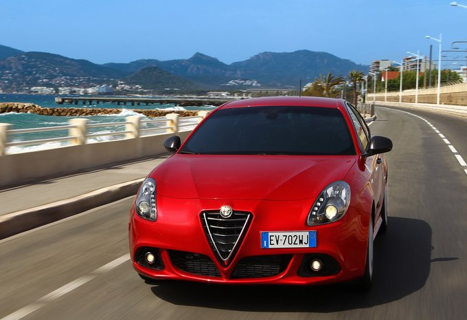 alfa romeo giulietta 1 4 multiair 150 super 2017 prix. Black Bedroom Furniture Sets. Home Design Ideas