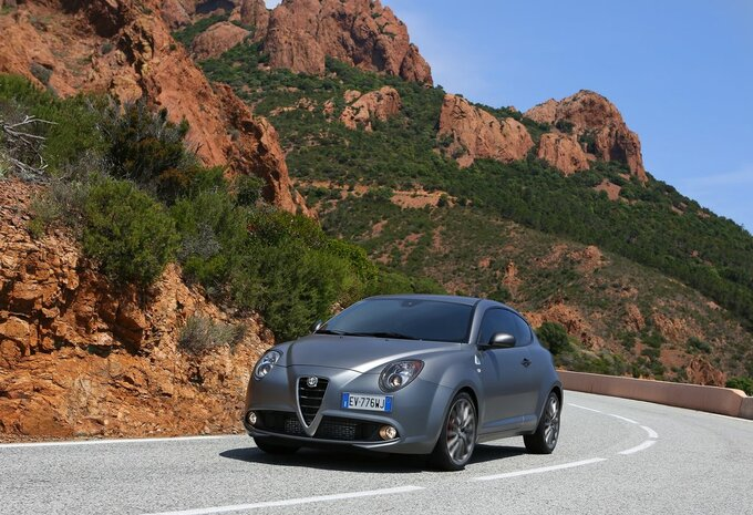 alfa romeo mito 1 4 turbo multiair 170 tct veloce 2016. Black Bedroom Furniture Sets. Home Design Ideas