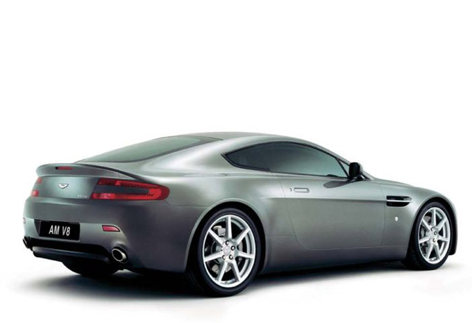 aston martin v8 vantage v8 vantage 2005 prix moniteur. Black Bedroom Furniture Sets. Home Design Ideas