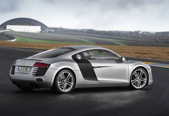 audi r8 spyder 4 2 v8 quattro 2006 prix moniteur automobile. Black Bedroom Furniture Sets. Home Design Ideas