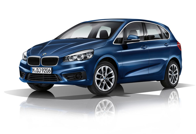 bmw s rie 2 active tourer 218d xdrive 100kw 2019 prix moniteur automobile. Black Bedroom Furniture Sets. Home Design Ideas