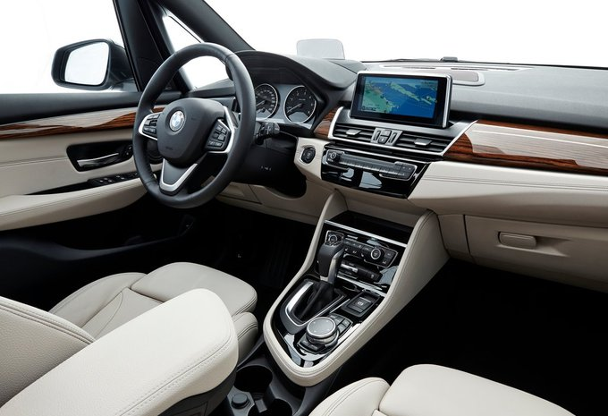 bmw s rie 2 gran tourer 218d 110kw 2019 prix moniteur automobile. Black Bedroom Furniture Sets. Home Design Ideas