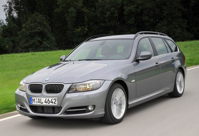 essai bmw serie 3 touring 318d streaming in english with. Black Bedroom Furniture Sets. Home Design Ideas