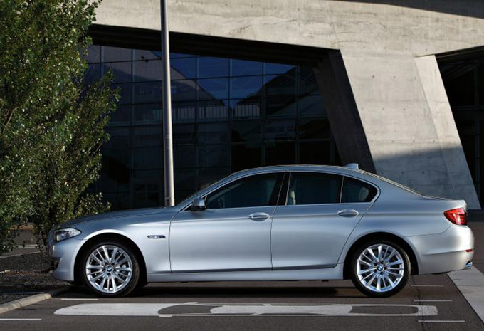 bmw s rie 5 berline 530d xdrive 2010 prix moniteur automobile. Black Bedroom Furniture Sets. Home Design Ideas