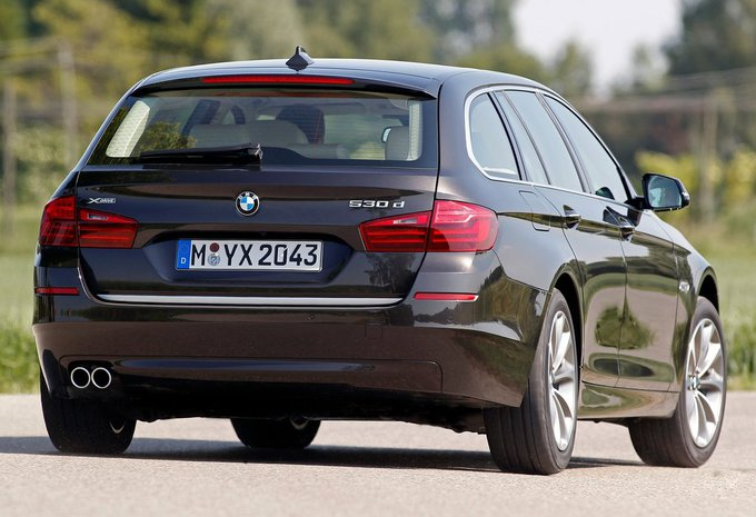 prijs bmw 5 reeks touring 520d xdrive 120 kw 2017 autogids. Black Bedroom Furniture Sets. Home Design Ideas