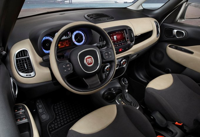 fiat 500l 1 3 mjet 61kw ikks 2015 prix moniteur automobile. Black Bedroom Furniture Sets. Home Design Ideas