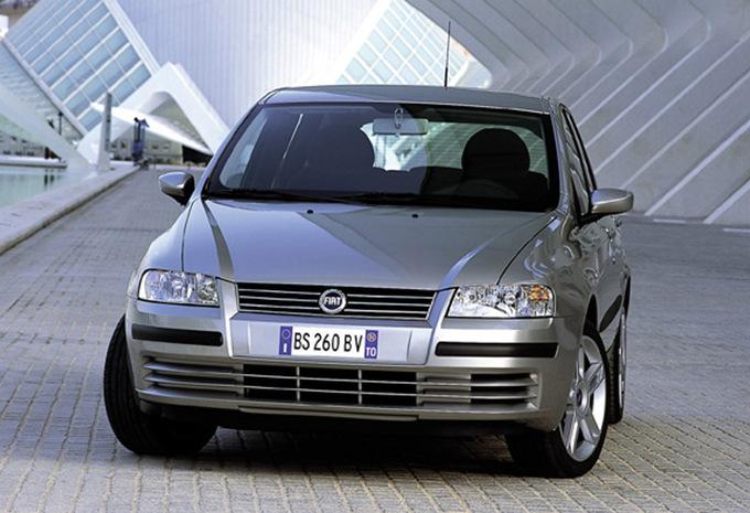 fiat stilo 5p 1 4 actual 2001 prix moniteur automobile. Black Bedroom Furniture Sets. Home Design Ideas