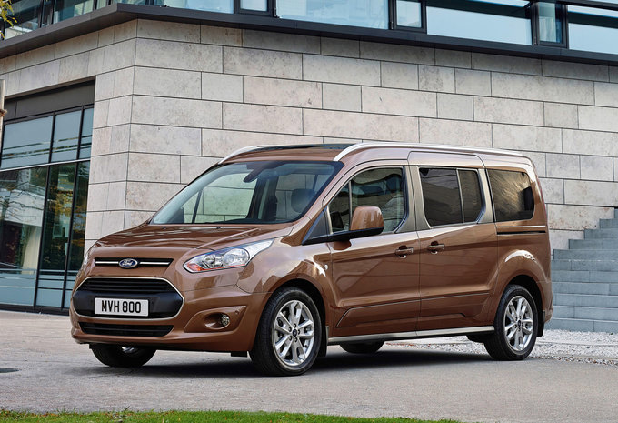prijs ford grand tourneo connect 1 5 tdci 88kw titanium 2018 autogids. Black Bedroom Furniture Sets. Home Design Ideas