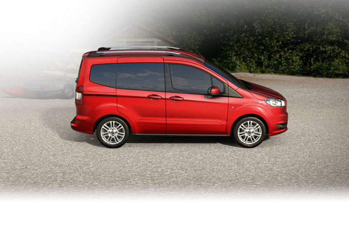 ford tourneo courier 1 5 tdci 75kw titanium 2019 prix moniteur automobile. Black Bedroom Furniture Sets. Home Design Ideas