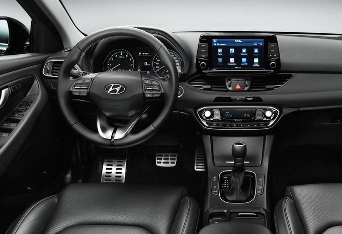hyundai i30 5p 1 6 crdi 70kw twist 2017 prix moniteur automobile. Black Bedroom Furniture Sets. Home Design Ideas