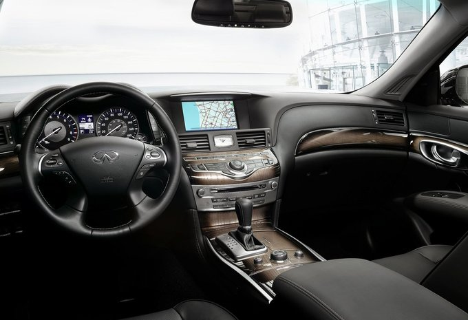 infiniti q70 hybrid premium 2017 prix moniteur automobile. Black Bedroom Furniture Sets. Home Design Ideas