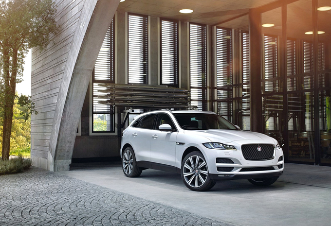 jaguar f pace 2 0d 132kw 4x4 aut prestige 2019 prix moniteur automobile. Black Bedroom Furniture Sets. Home Design Ideas
