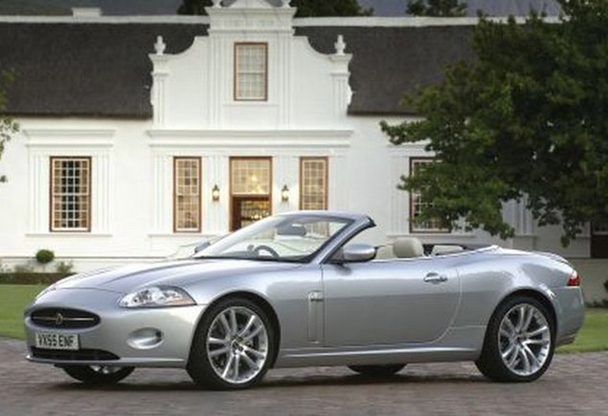 jaguar xk cabriolet xkr 2006 prix moniteur automobile. Black Bedroom Furniture Sets. Home Design Ideas