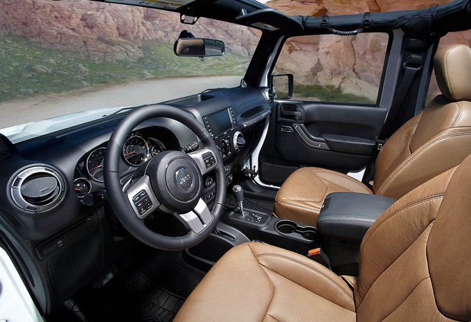 jeep wrangler unlimited 3 6l v6 rubicon aut 2018 prix moniteur automobile. Black Bedroom Furniture Sets. Home Design Ideas