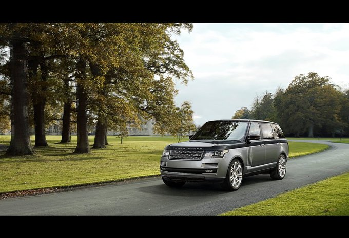 land rover range rover 4 4 sdv8 vogue 2018 prix moniteur automobile. Black Bedroom Furniture Sets. Home Design Ideas