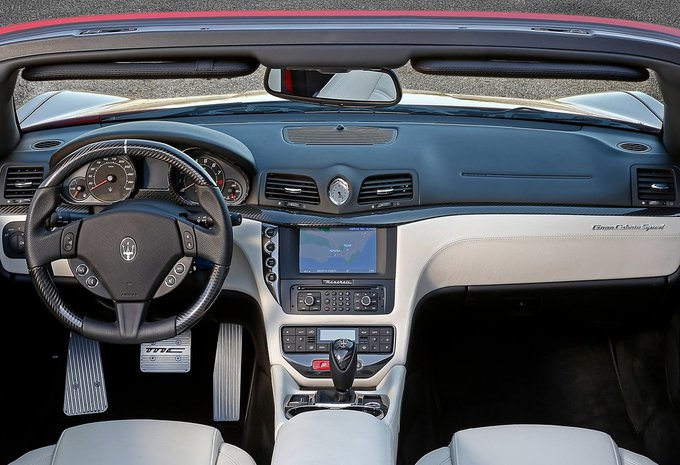 maserati grancabrio 4 7 aut sport 2018 prix moniteur automobile. Black Bedroom Furniture Sets. Home Design Ideas