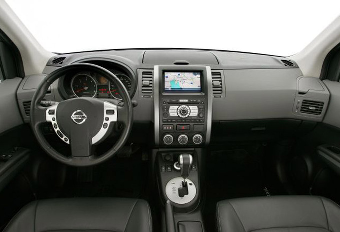 nissan x trail 2 0 dci 150 4wd xe 2007 prix moniteur automobile. Black Bedroom Furniture Sets. Home Design Ideas