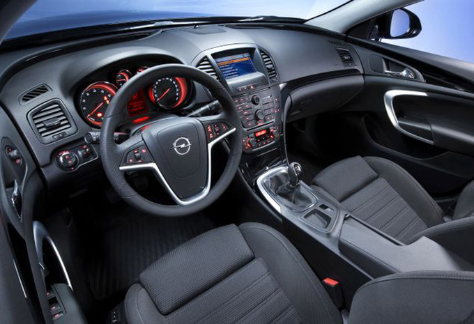 opel insignia 4p 2 0 cdti 110 edition 2008 prix moniteur automobile. Black Bedroom Furniture Sets. Home Design Ideas