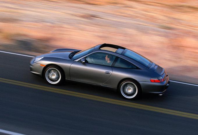 porsche 911 turbo prix porsche prix porsche 911 turbo s edition 918 spyder grand prix white. Black Bedroom Furniture Sets. Home Design Ideas