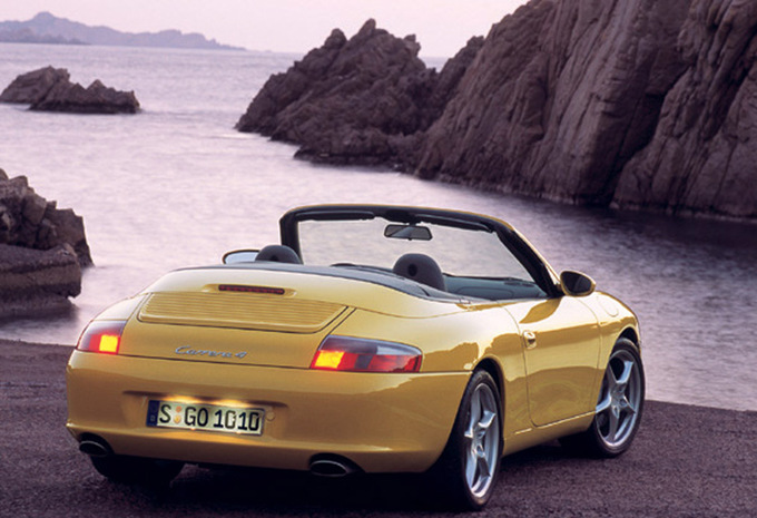 porsche 911 cabriolet carrera 2 1998 prix moniteur automobile. Black Bedroom Furniture Sets. Home Design Ideas