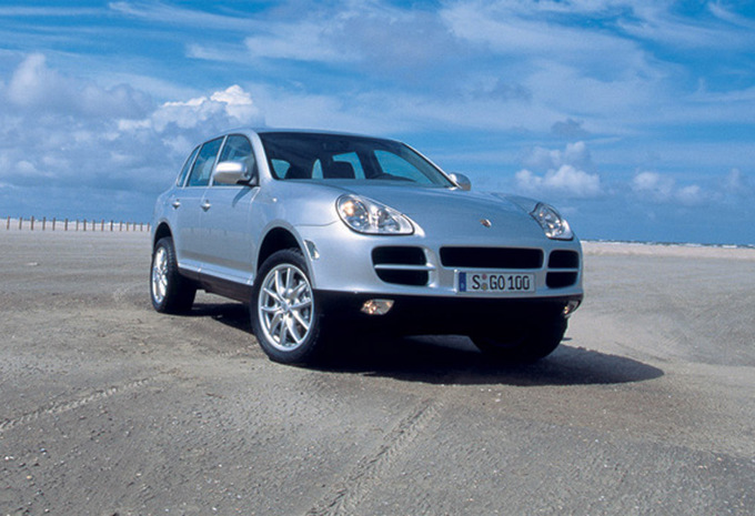 porsche cayenne 3 2 v6 2002 prix moniteur automobile. Black Bedroom Furniture Sets. Home Design Ideas