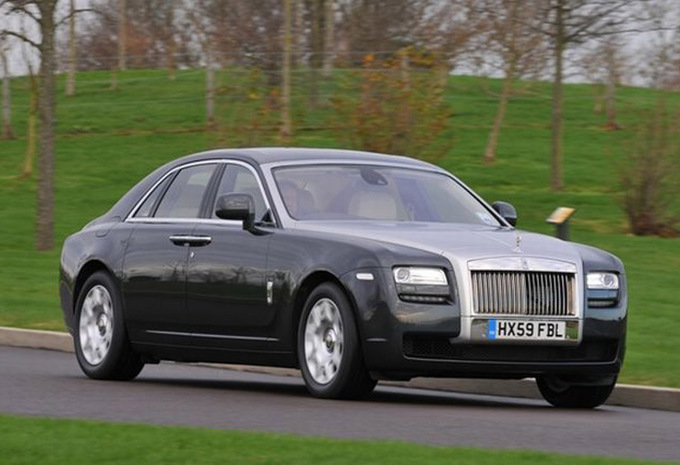 comparaison rolls royce phantom rolls royce ghost moniteur automobile. Black Bedroom Furniture Sets. Home Design Ideas