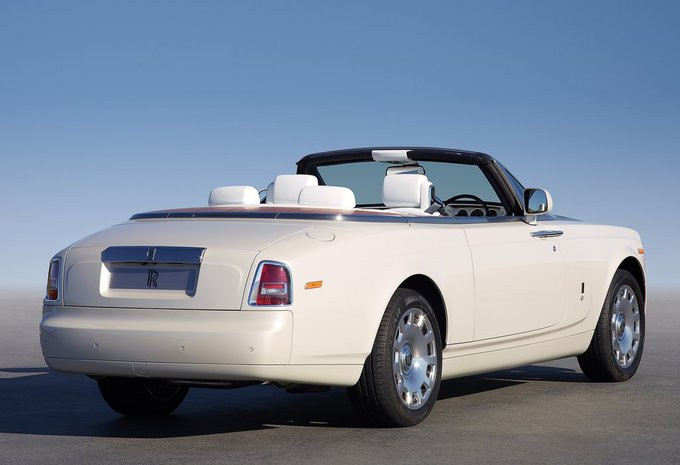 rolls royce phantom convertible 6 7 v12 drophead coupe. Black Bedroom Furniture Sets. Home Design Ideas