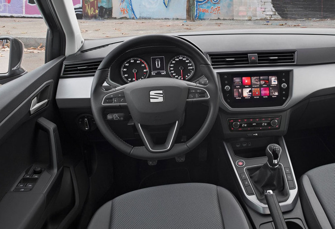 seat arona 1 0 tsi 85kw style 2019 prix moniteur automobile. Black Bedroom Furniture Sets. Home Design Ideas