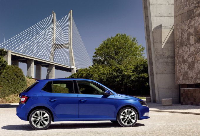 skoda fabia 5p 1 0 mpi 44kw ambition 2018 prix moniteur automobile. Black Bedroom Furniture Sets. Home Design Ideas