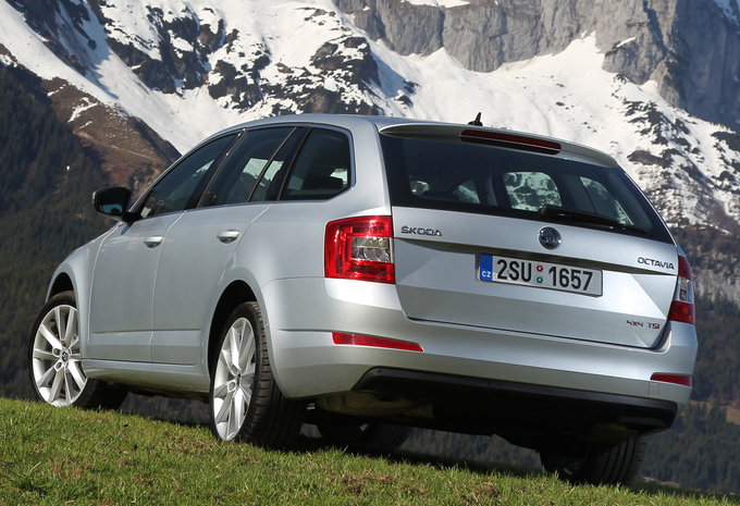 prijs skoda octavia combi 1 4 tsi 110kw dsg 7 greentec. Black Bedroom Furniture Sets. Home Design Ideas