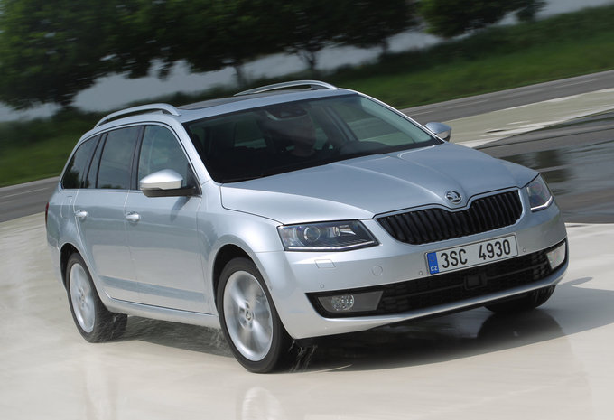 prijs skoda octavia combi 1 0 tsi greentec 85kw active 2019 autogids. Black Bedroom Furniture Sets. Home Design Ideas
