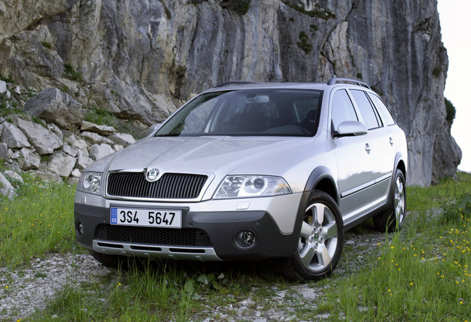 skoda octavia scout 1 6 crtdi 4x4 elegance 2004 prix moniteur automobile. Black Bedroom Furniture Sets. Home Design Ideas