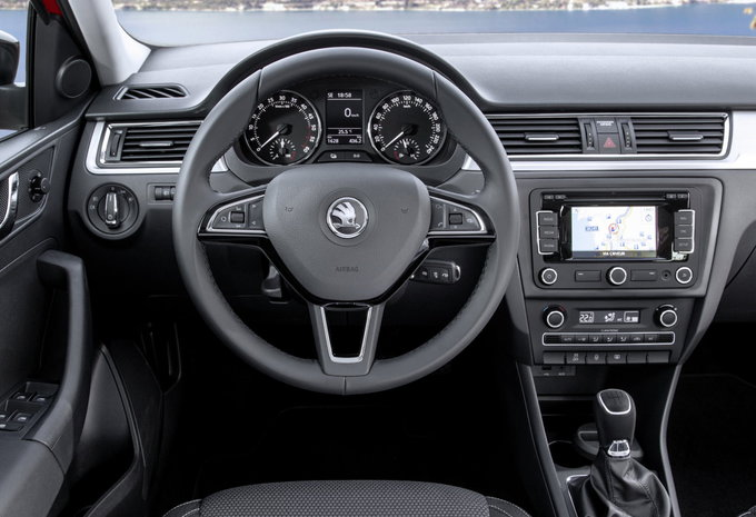 skoda rapid spaceback 1 2 tsi 81kw active 2016 prix moniteur automobile. Black Bedroom Furniture Sets. Home Design Ideas