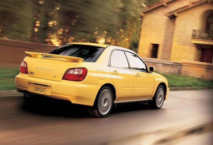 Subaru impreza 4p 2 0 gt turbo awd wrx full 2000 prix for Interieur subaru gt 2000