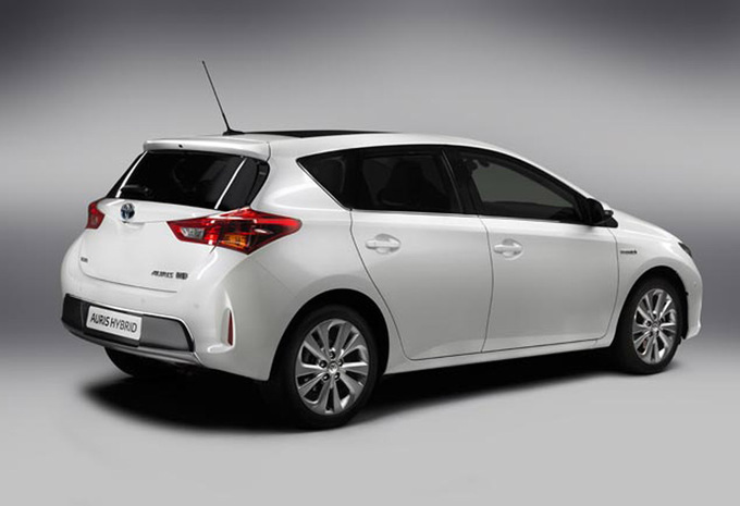 toyota auris 5p 1 8 vvt i hybride comfort 2012 prix moniteur automobile. Black Bedroom Furniture Sets. Home Design Ideas