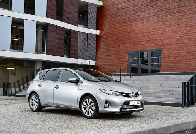 prijs toyota auris 5d 1 8 vvt i hybrid cvt lounge 2018 autowereld. Black Bedroom Furniture Sets. Home Design Ideas