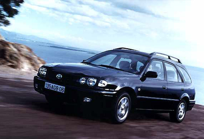 Toyota Verso Nieuw Model >> Prijs Toyota Corolla Wagon 1.6 Linea sol A (2000) - AutoGids
