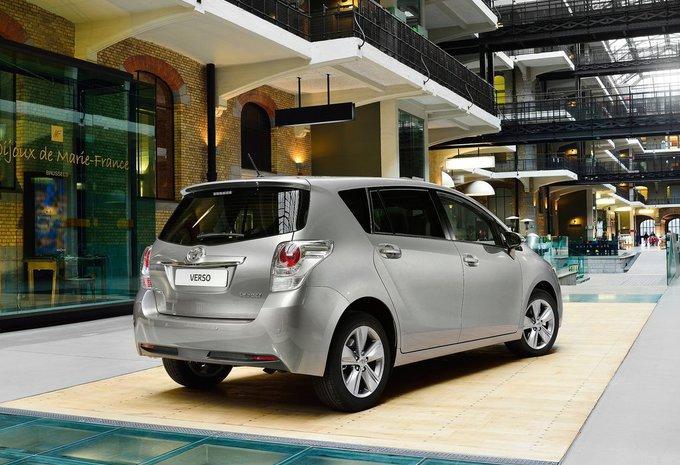 Toyota Verso Nieuw Model >> Prijs Toyota Verso 1.6 Valvematic Comfort 5pl. (2017) - AutoGids