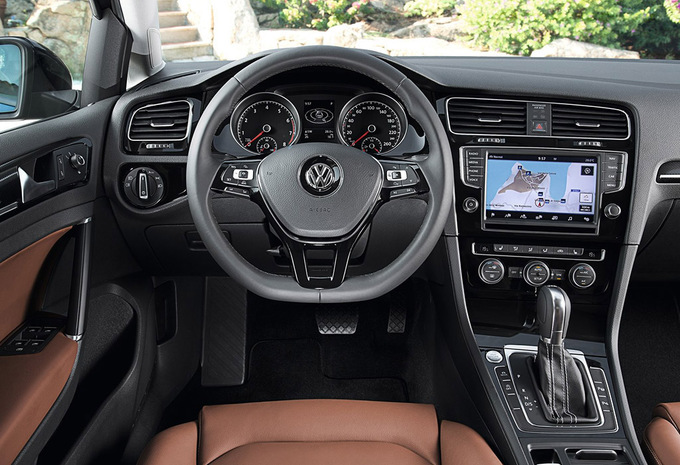volkswagen golf vii 3p 1 6 tdi 85kw highline dsg 2018 prix moniteur automobile. Black Bedroom Furniture Sets. Home Design Ideas