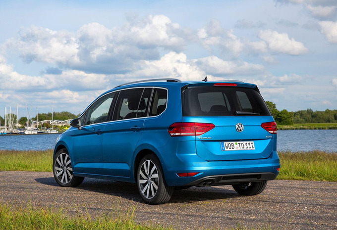 prijs volkswagen touran 1 4 tsi 110kw sound 2018 autogids. Black Bedroom Furniture Sets. Home Design Ideas