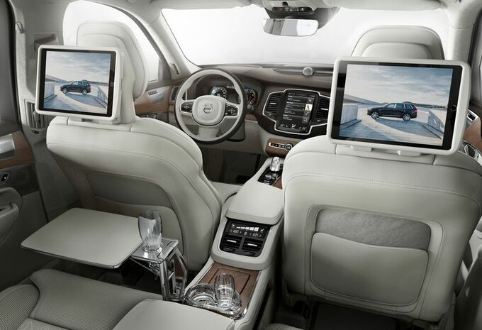 volvo xc90 excellence luxe pour 4 moniteur automobile. Black Bedroom Furniture Sets. Home Design Ideas