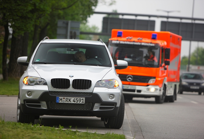 BMW Emergency Stop Assistant #1