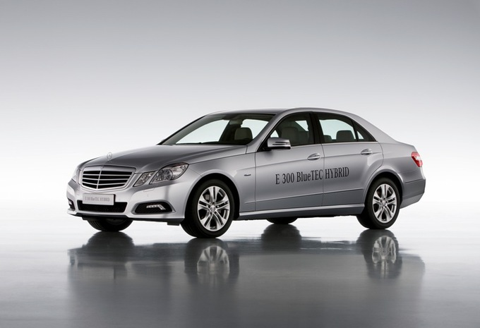 Mercedes E 300 BlueTEC Hybrid #1