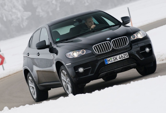 bmw x6 5 places et connect moniteur automobile. Black Bedroom Furniture Sets. Home Design Ideas