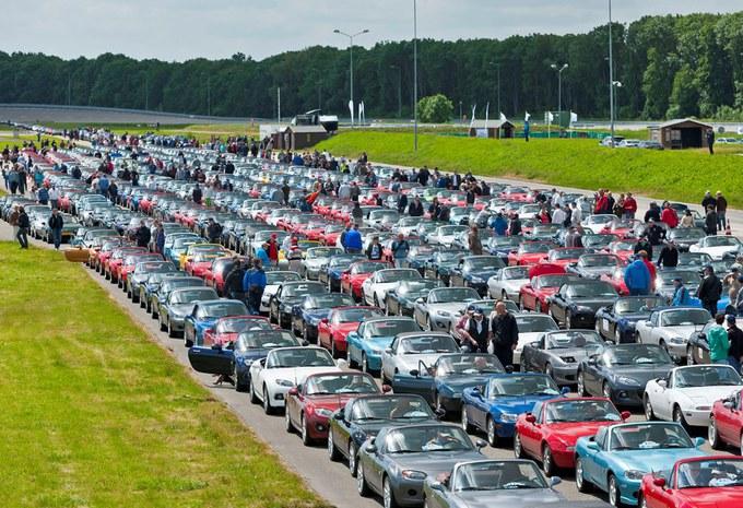 Recordparade met Mazda's MX-5 #2