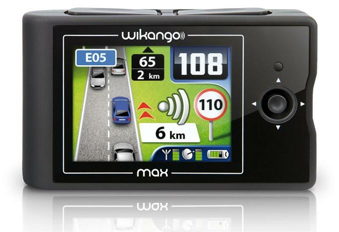 photos coyote tomtom live waze et wikango l 39 tranger moniteur automobile. Black Bedroom Furniture Sets. Home Design Ideas